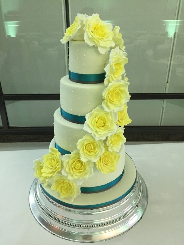Wedding Cakes and Cupcakes | Sprinkles and Swirls | Cupcakes Kent ...