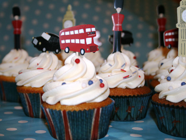 London Themed Cupcakes Jpg