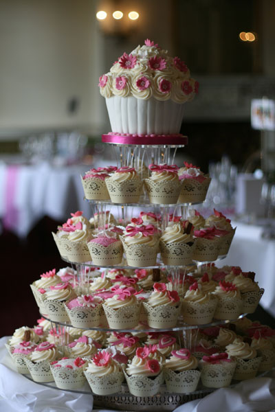 Wedding Cupcakes Sprinkles And Swirls Cupcakes Kent
