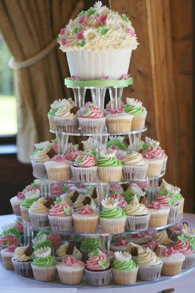 Wedding Cake Cupcake Ideas For Outdoor Weddings